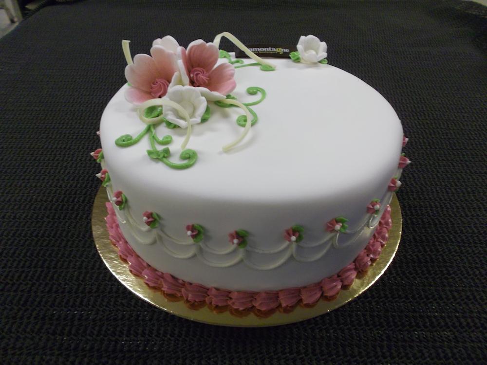 gateau 3 petites fleurs boulangerie lamontagne. Black Bedroom Furniture Sets. Home Design Ideas