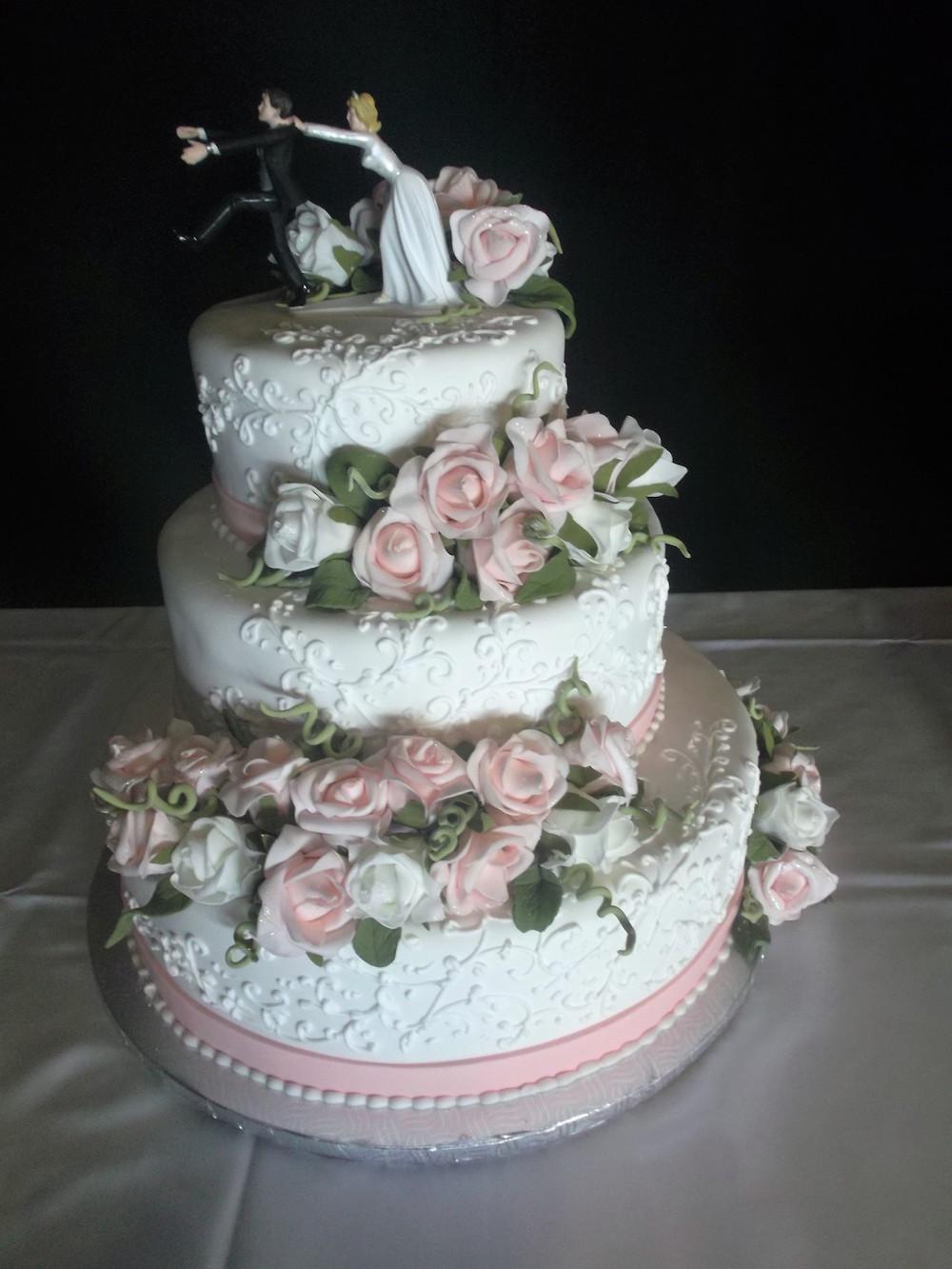 Gâteau 3 étages Fleurs Blanches Et Roses Boulangerie