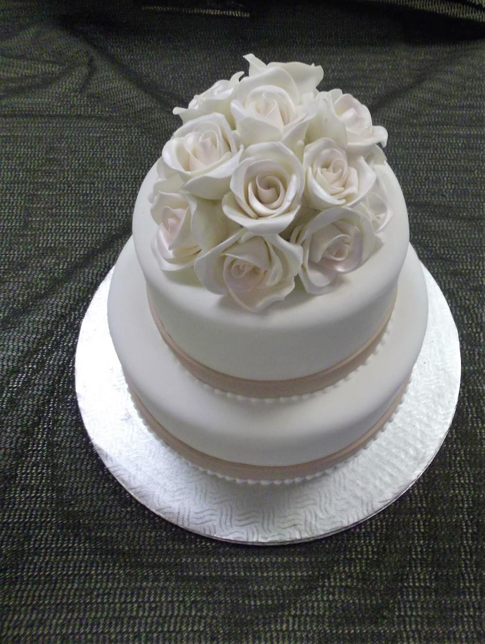 Gâteau 2 étages Rubans Roses Boulangerie Lamontagne