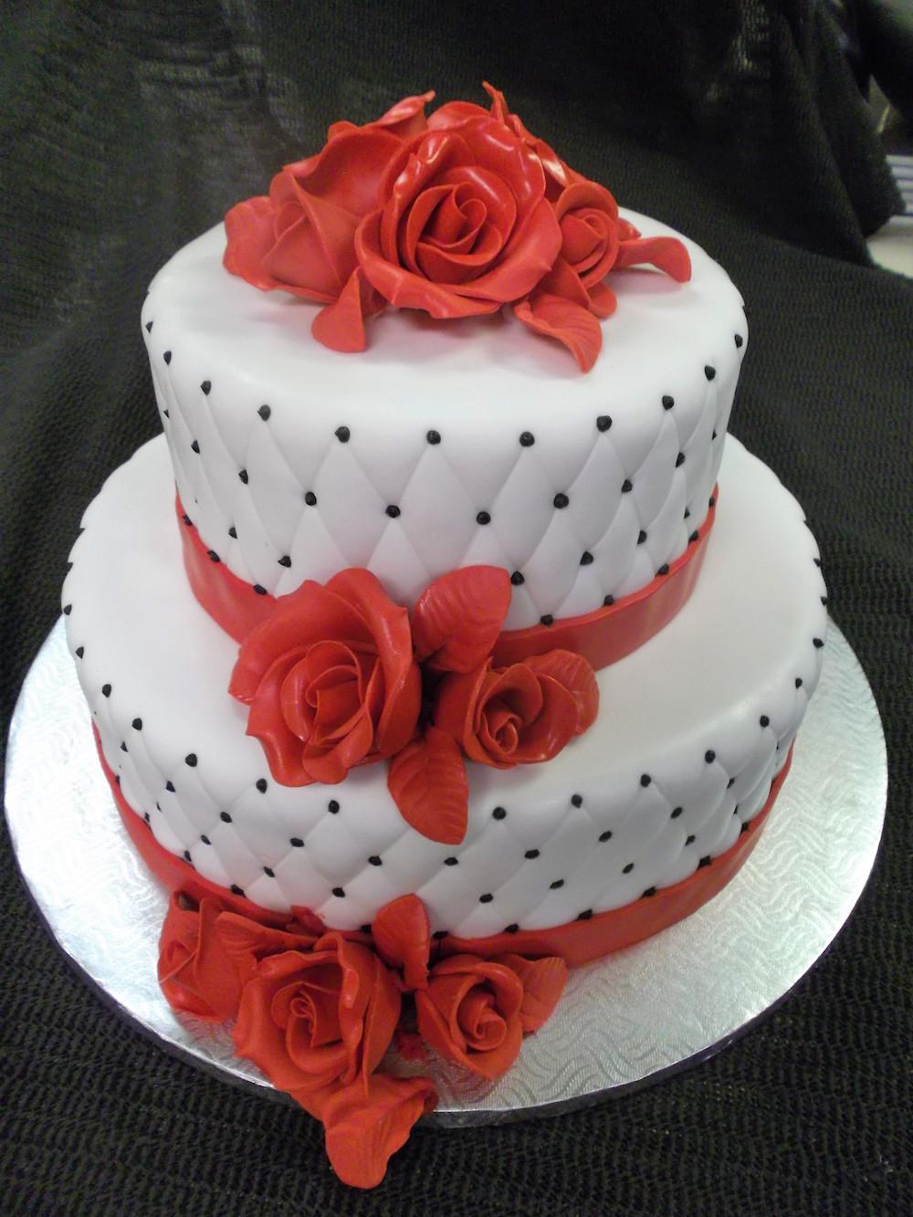 Gâteau 2 étages Roses Rouges Boulangerie Lamontagne