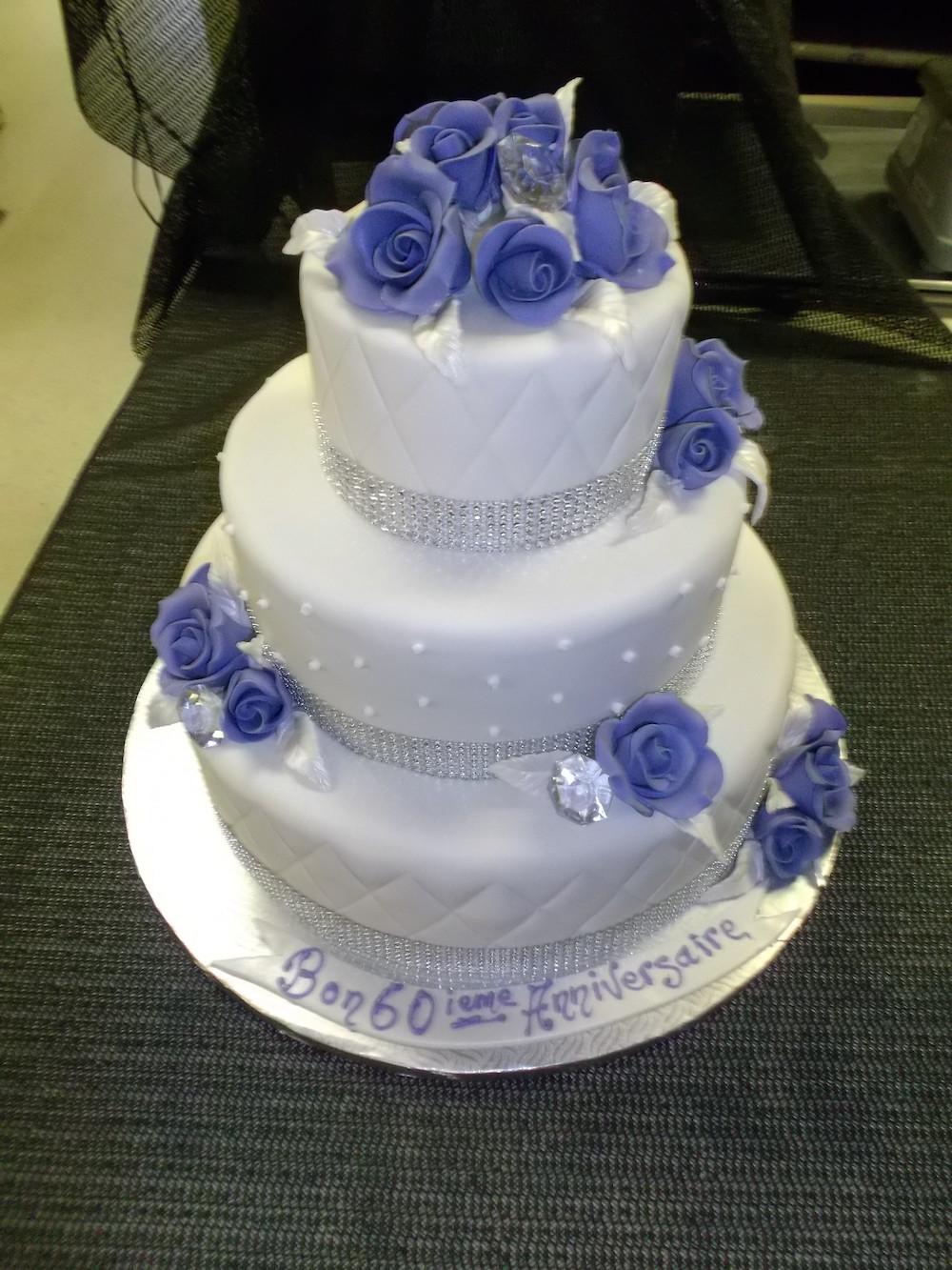Gateau 3 Etages Fleurs Bleues Boulangerie Lamontagne